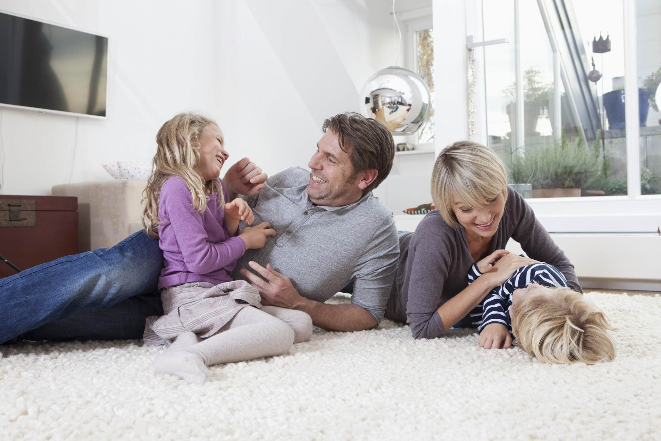 happy-family-with-kids-568177183df78ccc15b28632